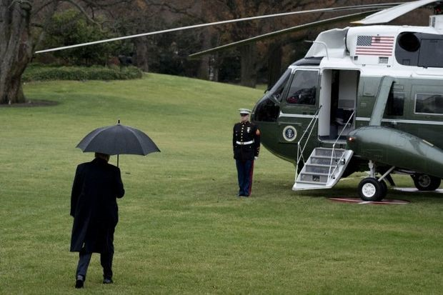 Trump Boards Marine One - Photographer: Andrew Harrer/Bloomberg