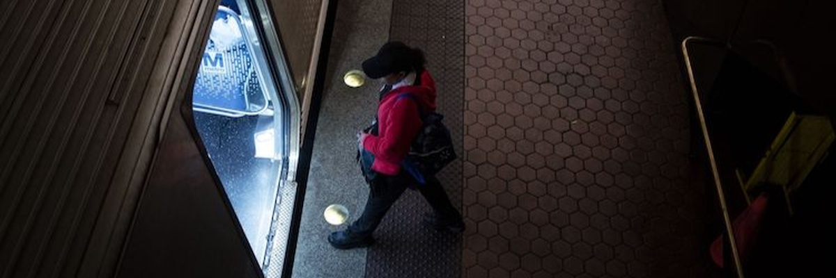 Passenger boarding DC metro