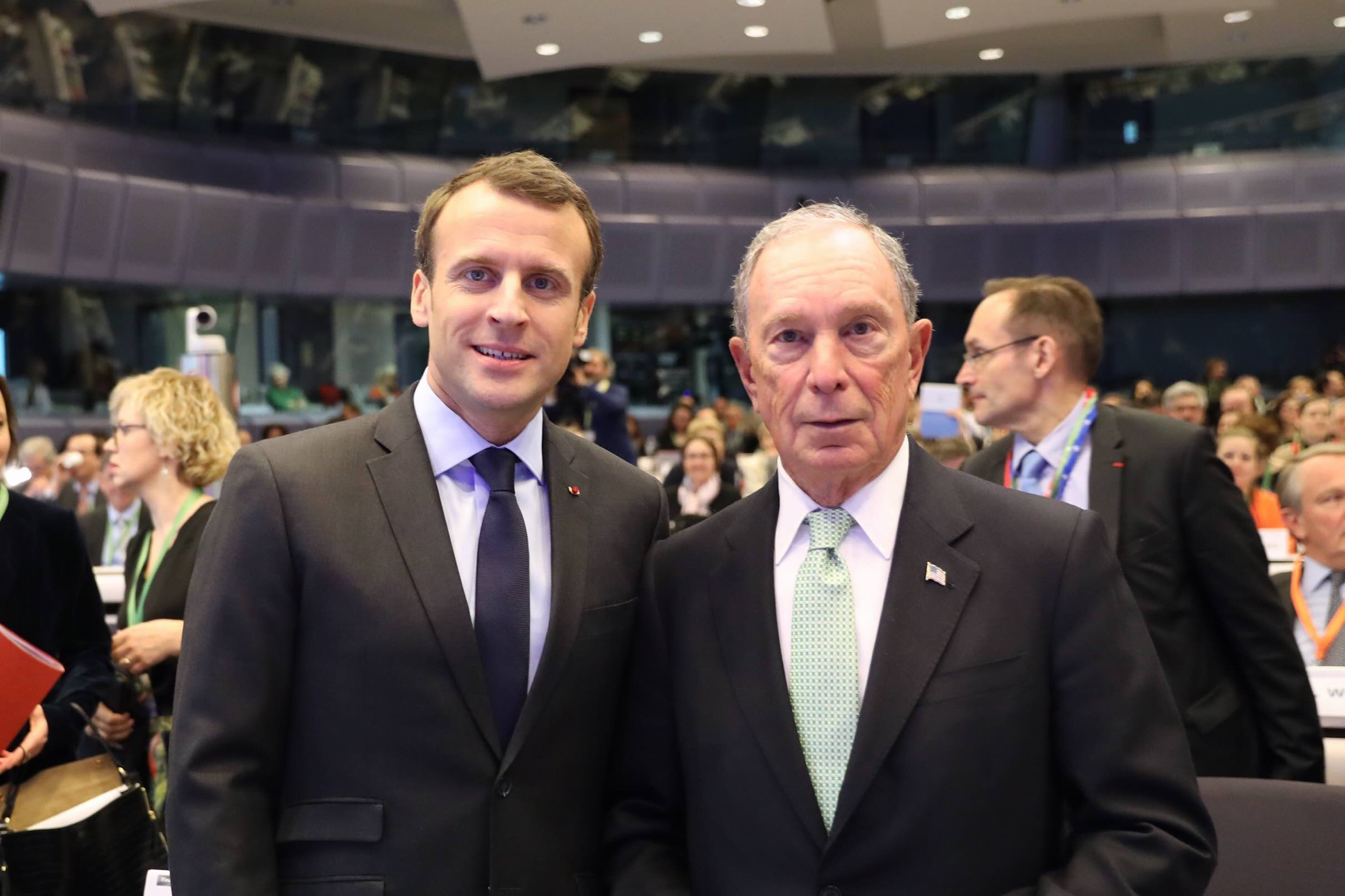 Macron Bloomberg