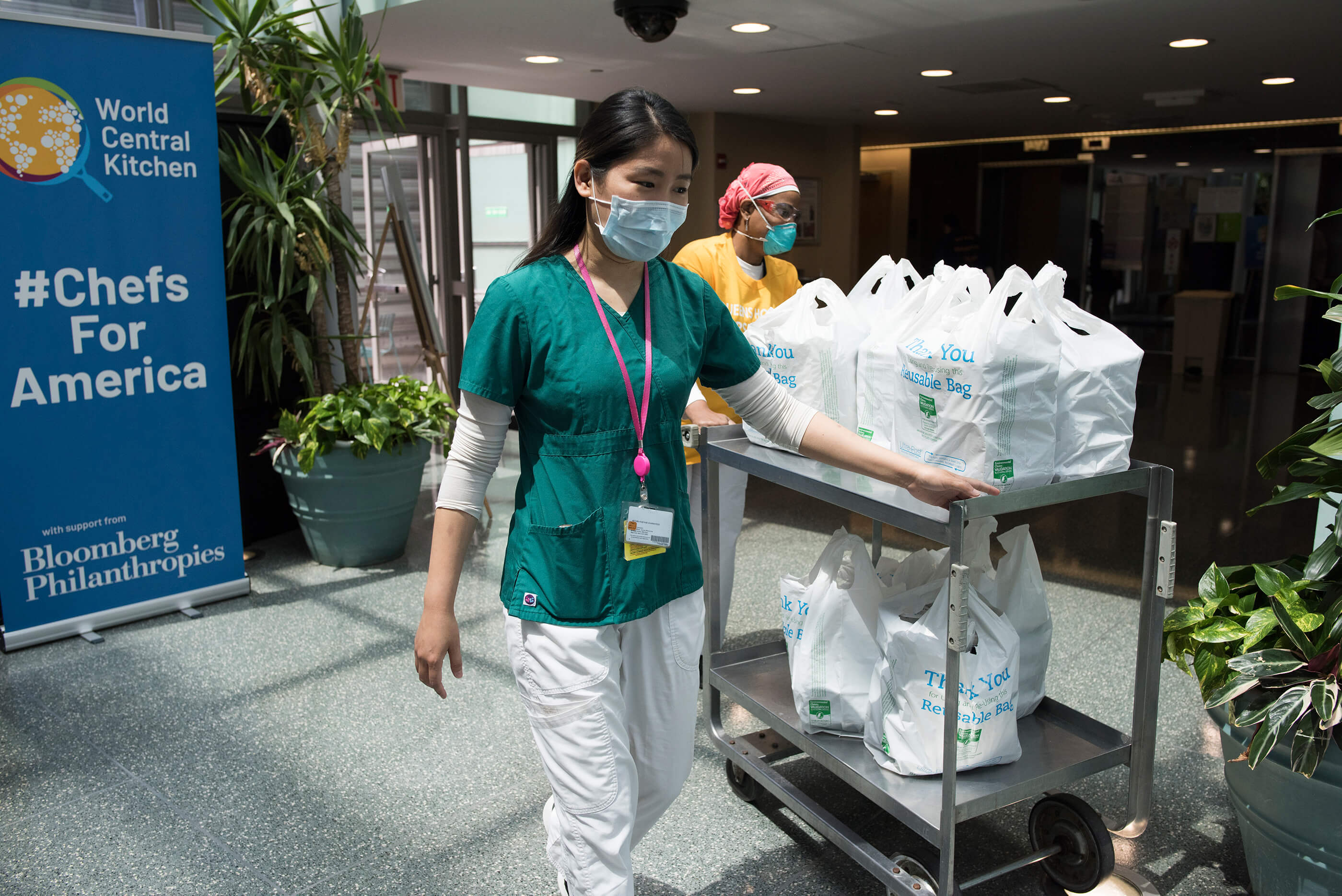 Bloomberg Philanthropies and World Central Kitchen team up to feed NYC Hospital employees