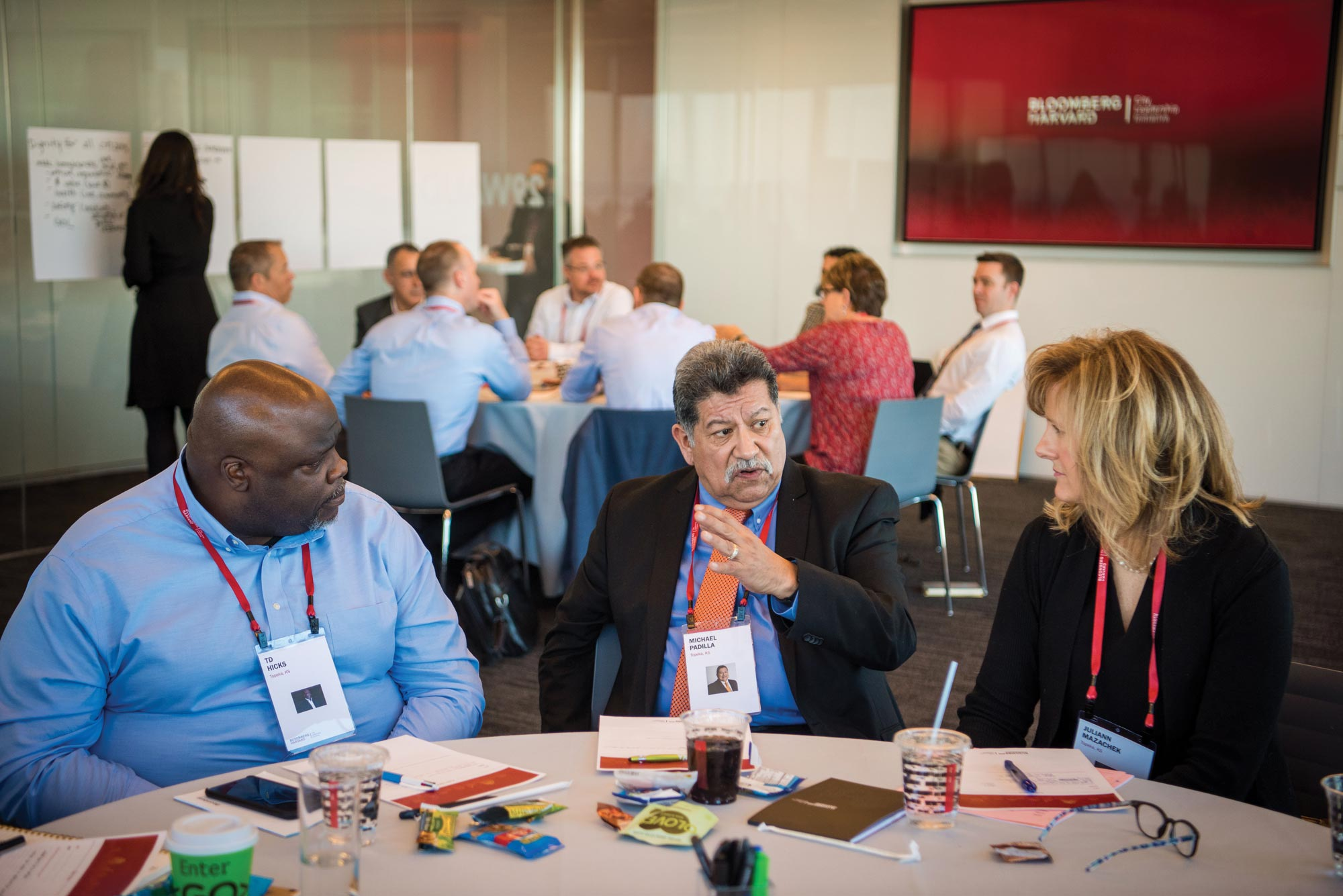 Senior city hall staff members convene in New York City to learn leadership and management strategies from leading experts and from one another.