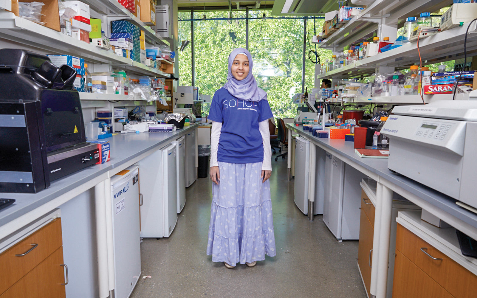 Student researcher in a Bloomberg Distinguished Professor's biology lab.