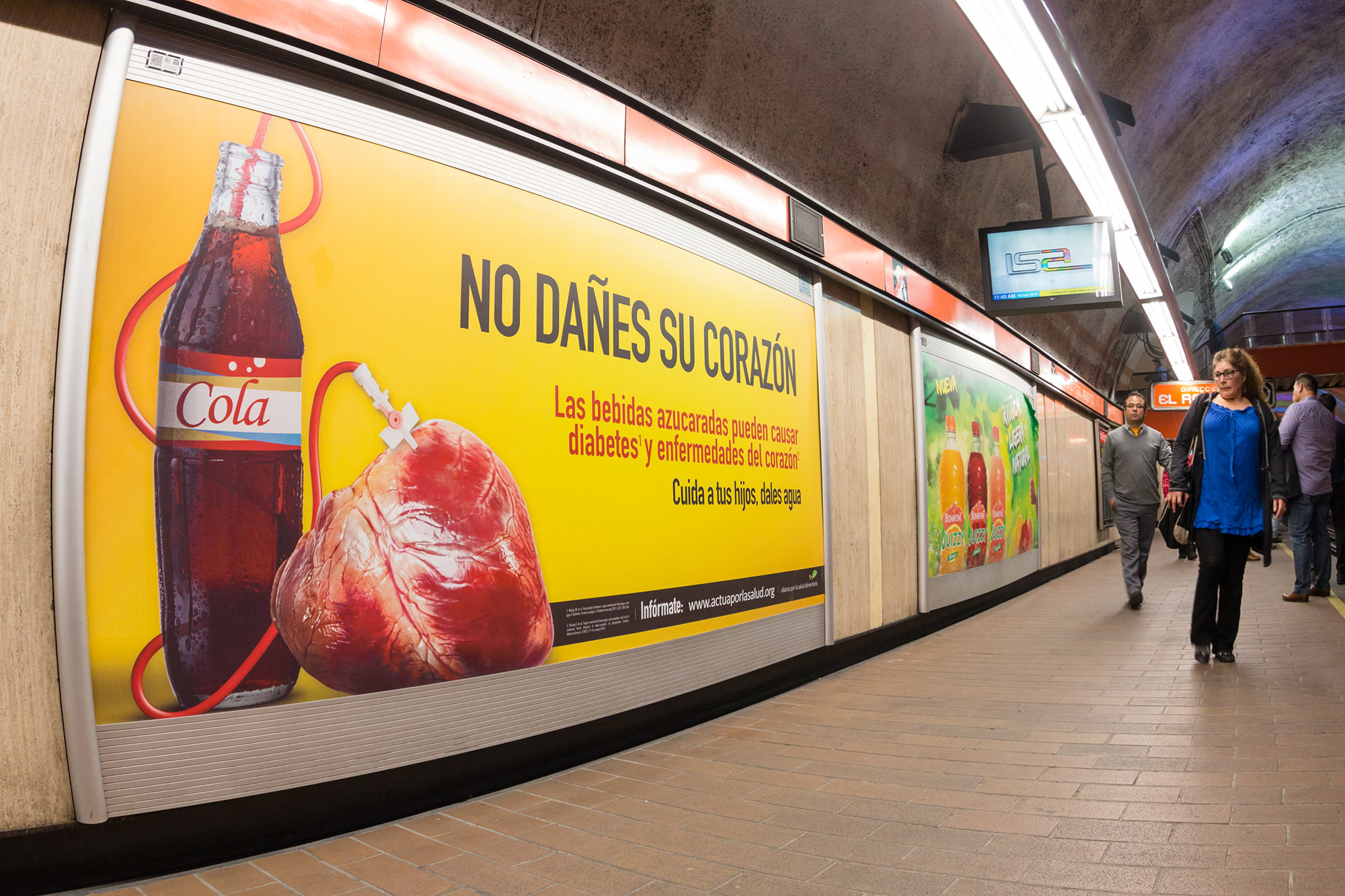 Mexico-2016-mass-media-photo_Mexico-City-subway-jpegmini