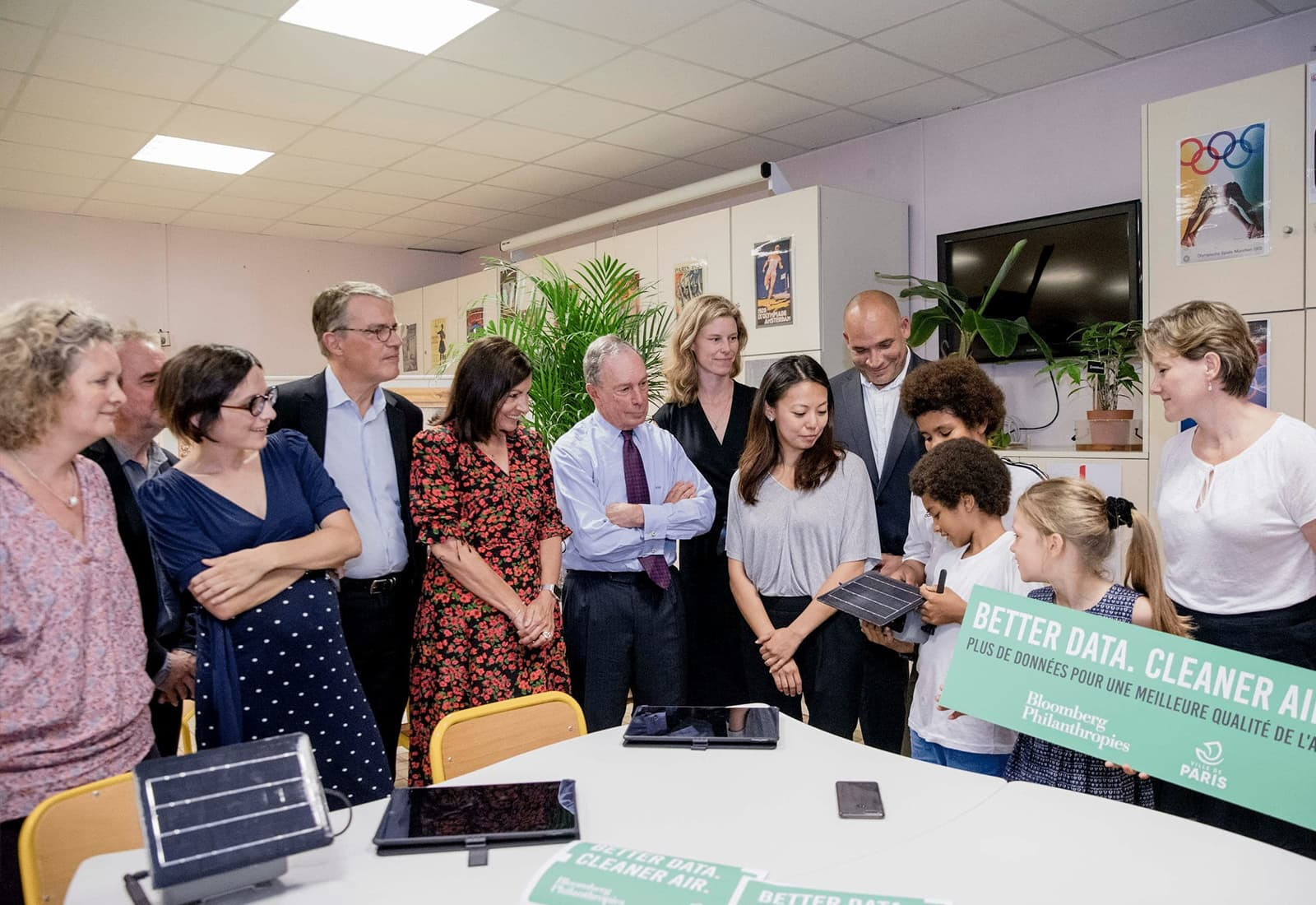 Mike Bloomberg joins Paris Mayor Anne Hidalgo to unveil a partnership between Bloomberg Philanthropies and the city of Paris to improve air quality and better understand pollution patterns throughout the city.