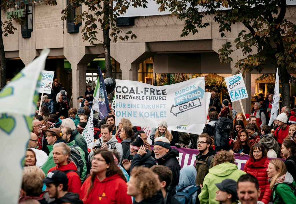 Europe Beyond Coal groups marched after the launch in Bonn, Germany ahead of the COP23 international climate negotiations. Photo credit: Europe Beyond Coal and Felix von der Osten
