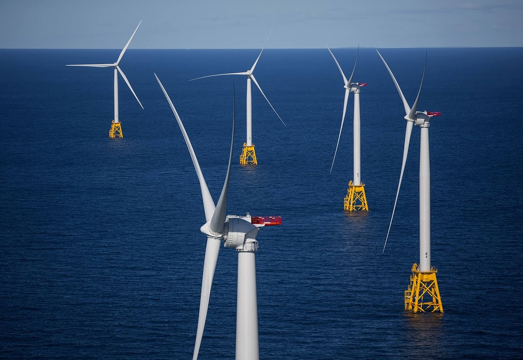 The GE-Alstom Block Island Wind Farm off Block Island, Rhode Island. Photo credit: Eric Thayer and Bloomberg