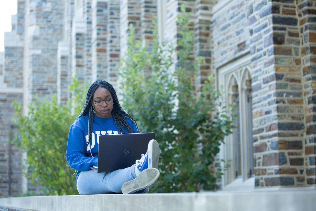 Michelle Katmauswa, a student at Duke University and CollegePoint initiative participant, studies on campus.