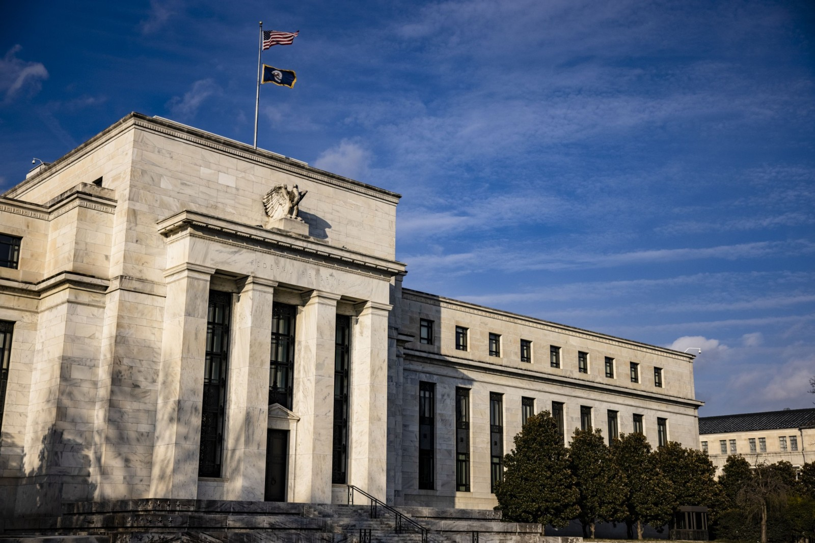 Active bond mutual funds may be Fed's new `too big to fail' | Bloomberg Professional Services