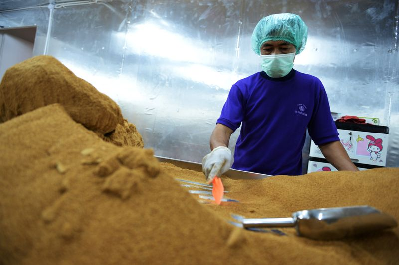 Indonesians Urged to Curb Sweet Tooth Amid Sugar Shortages